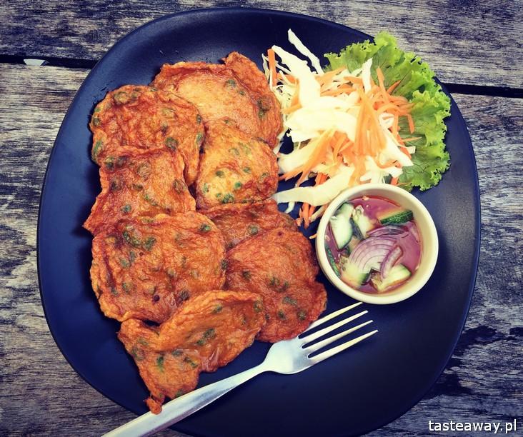 co jeść w Tajlandii, czego spróbować w Tajlandii, kuchnia tajskie, tajskie potrawy, thai fish cakes