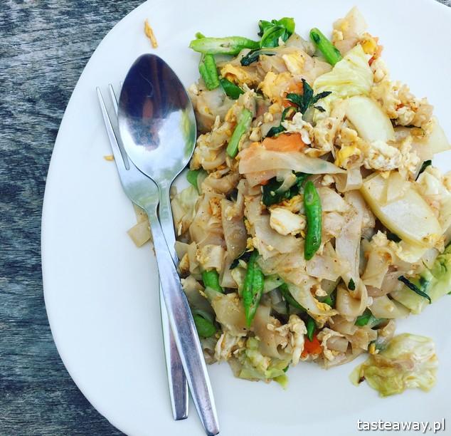 Koh Lipe, Tajlandia, tajskie wyspy, którą tajską wyspę wybrać, wakacje Koh Lipe, co robić na Koh Lipe, gdzie jeść na Koh Lipe, u Gonga, Sunrise Beach Restaurant, noodles,