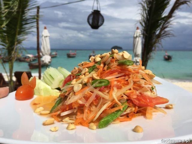 co jeść w Tajlandii, czego spróbować w Tajlandii, kuchnia tajskie, tajskie potrawy, tajskie sajgonki, som tam, green papaya salad, papaya salad