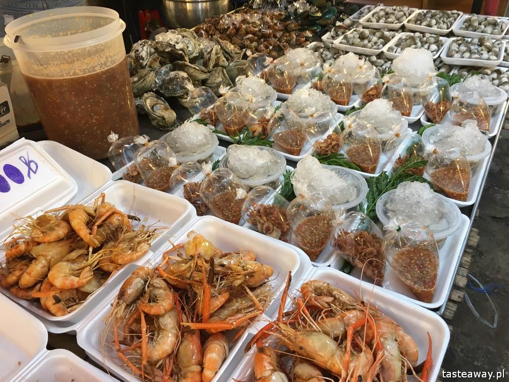 Bangkok, co robić w Bangkoku, atrakcje Bangkoku, Ratchada Train Night Market, Ratchada Night Market, street food, jedzenie uliczne w Bangkoku, jedzenie uliczne w Tajlandii