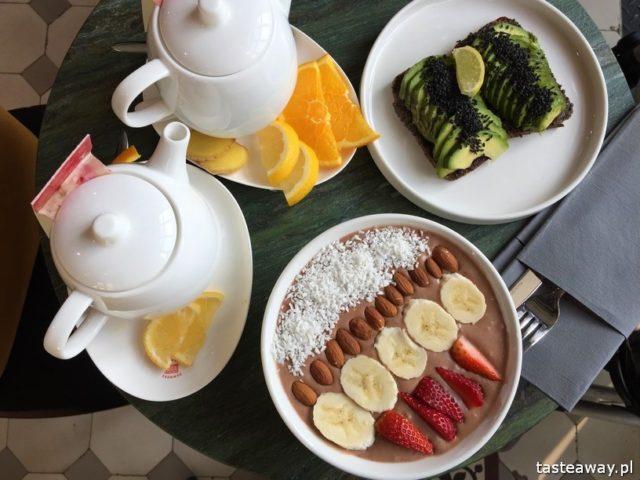 Warszawa śniadanie, gdzie na śniadanie, gdzie na śniadanie w Warszawie, śniadanie na mieście, zdrowe śniadanie, smoothie Bowl, Juice Press People