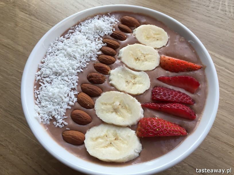 Warszawa śniadanie, gdzie na śniadanie, gdzie na śniadanie w Warszawie, śniadanie na mieście, zdrowe śniadanie, smoothie Bowl, Juice Press People, smoothie bowl