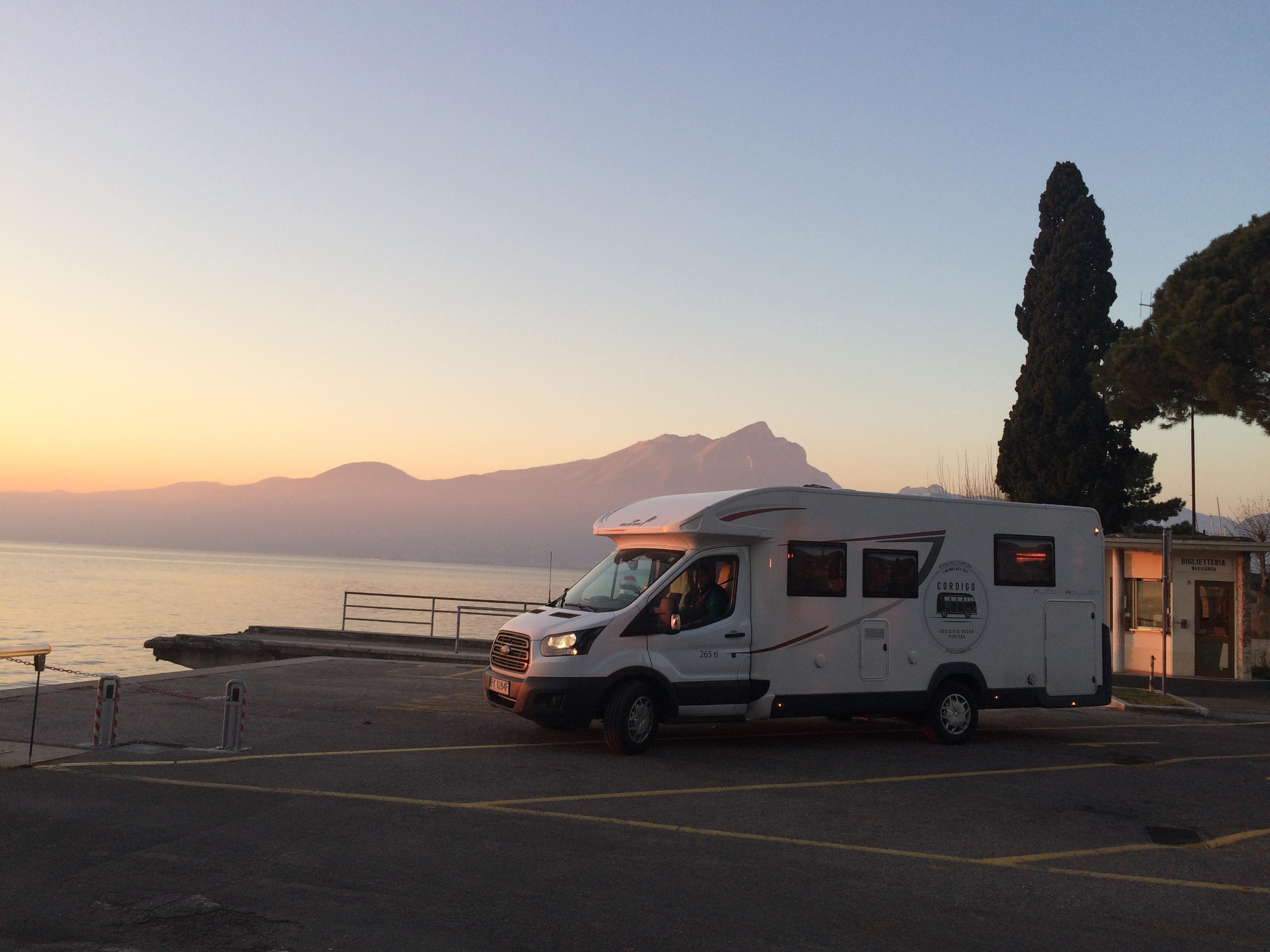 podróż kamperem, wakacje kamperem, podróżowanie z kamperem, kamper z dziećmi, jak podróżować kamperem