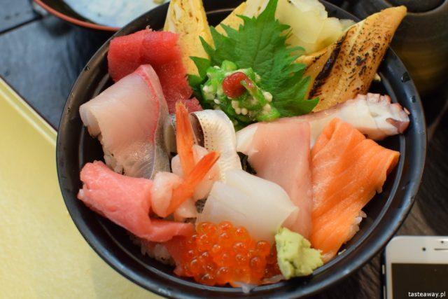sushi w Japonii, jakie jest sushi w Japonii, jak smakuje sushi w Japonii, nigiri, chirashi