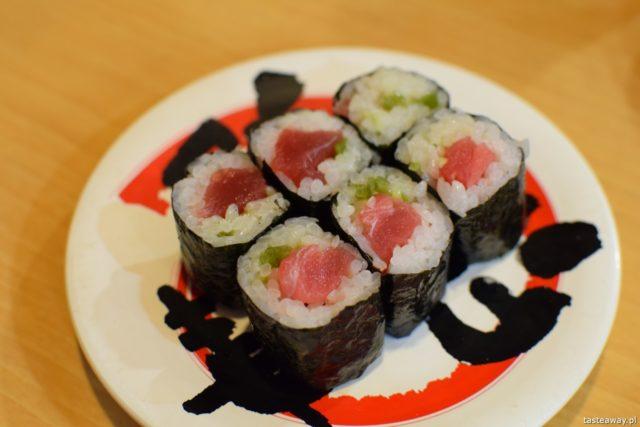 sushi w Japonii, jakie jest sushi w Japonii, jak smakuje sushi w Japonii, nigiri, rolki, tuńczyk