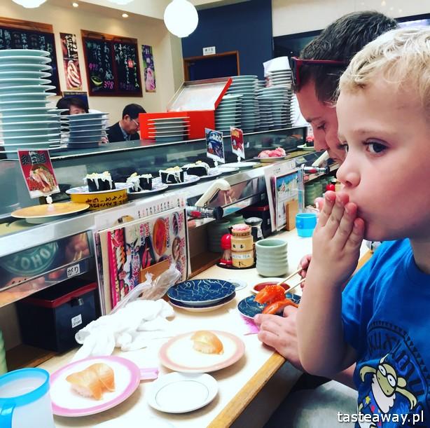 sushi w Japonii, jakie jest sushi w Japonii, jak smakuje sushi w Japonii, nigiri, inari, Tsukiji, sushi z dzieckiem