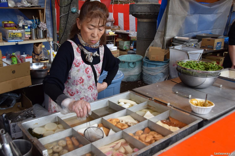 co jeść w Japonii, czego warto spróbować w Japonii, street food w Japonii, kuchnia uliczna, park Ueno, Tokio