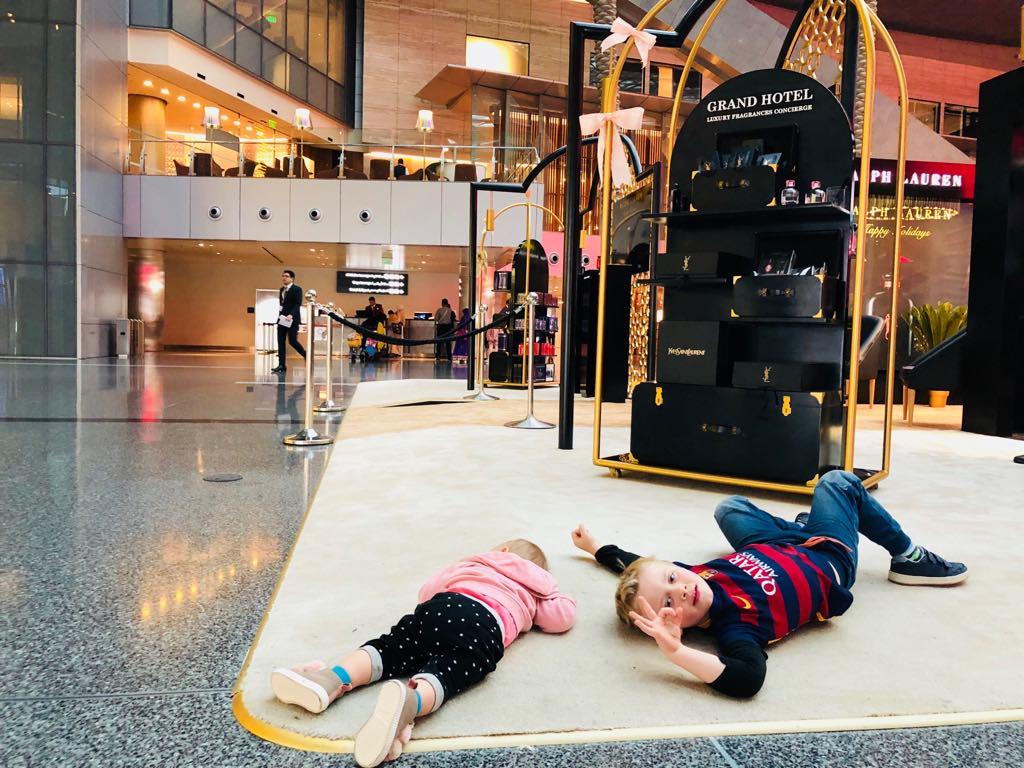 podróże z dziećmi, z dzieckiem w podróży, samolotem z dziećmi