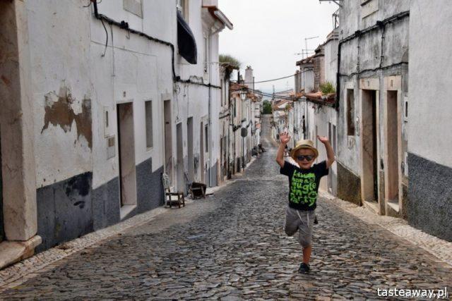 podróżowanie z dzieckiem, jak podróżować z dzieckiem, podróże z niemowlakiem, podróże egzotyczne z dzieckiem