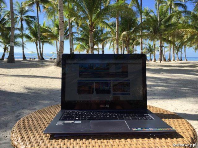 praca w podróży, jak pracować w podróży, ASUS, podróżowanie na swoim, jak połączyć pracę i podróże