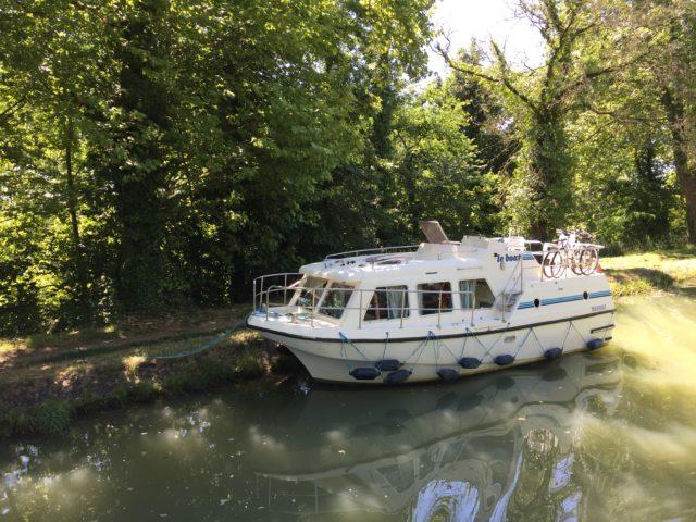 Francja, Oksytania, francja łódką, barką po Francji, Le Boat, pomysł na wakacje, pomysł na urlop, co robić we Francji, z dziećmi na łódce, podróżowanie z dziećmi