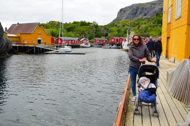 amper z dziećmi, niemowlak w kamperze, kamperem z niemowlakiem, podróże z dziećmi, Lofoty