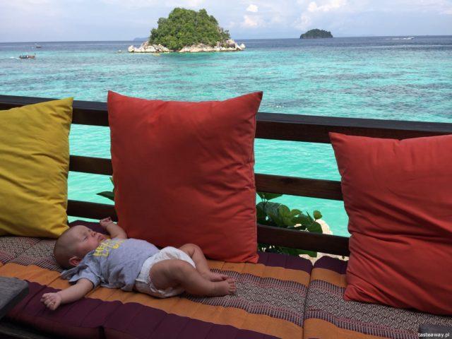 bezpieczeństwo w podróży, zagrożenia w podrózy, na co uważać w podróży, jak bezpiecznie podróżować z dziećmi, podróże egzotyczne z dziećmi