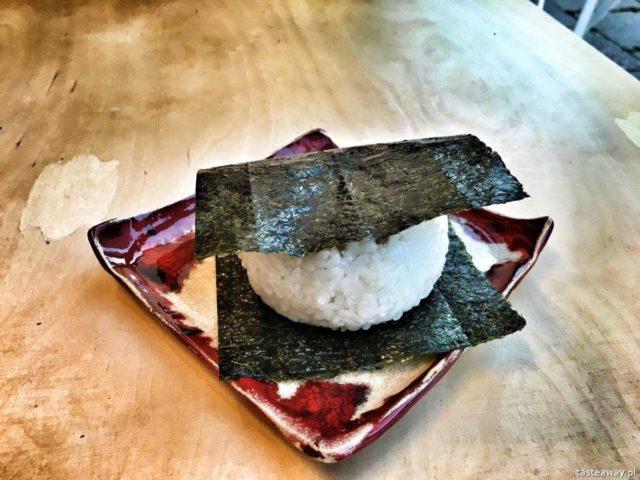 Ochota, Ochota restauracje, gdzie jeść na ochocie, kuchnia japońska, Sato gotuje, onigiri