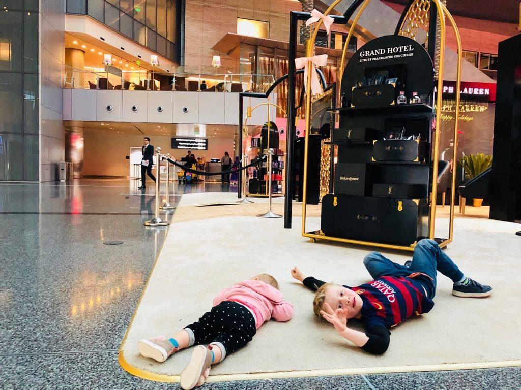 podróże z dziećmi, dziecko w podróży, podróż samootem z dziećmi, Doha
