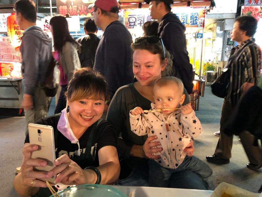 podróże z dziećmi, dziecko w podróży, Tajwan z dziećmi, nocne markety Tajwanu, co robić na Tajwanie