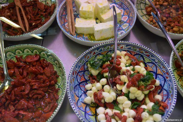 Hala Gwardii, co zjeść w Hali Gwardii, dlaczego warto do Halii Gwardii, targ, gdzie na targ, targ w Hali Gwardii