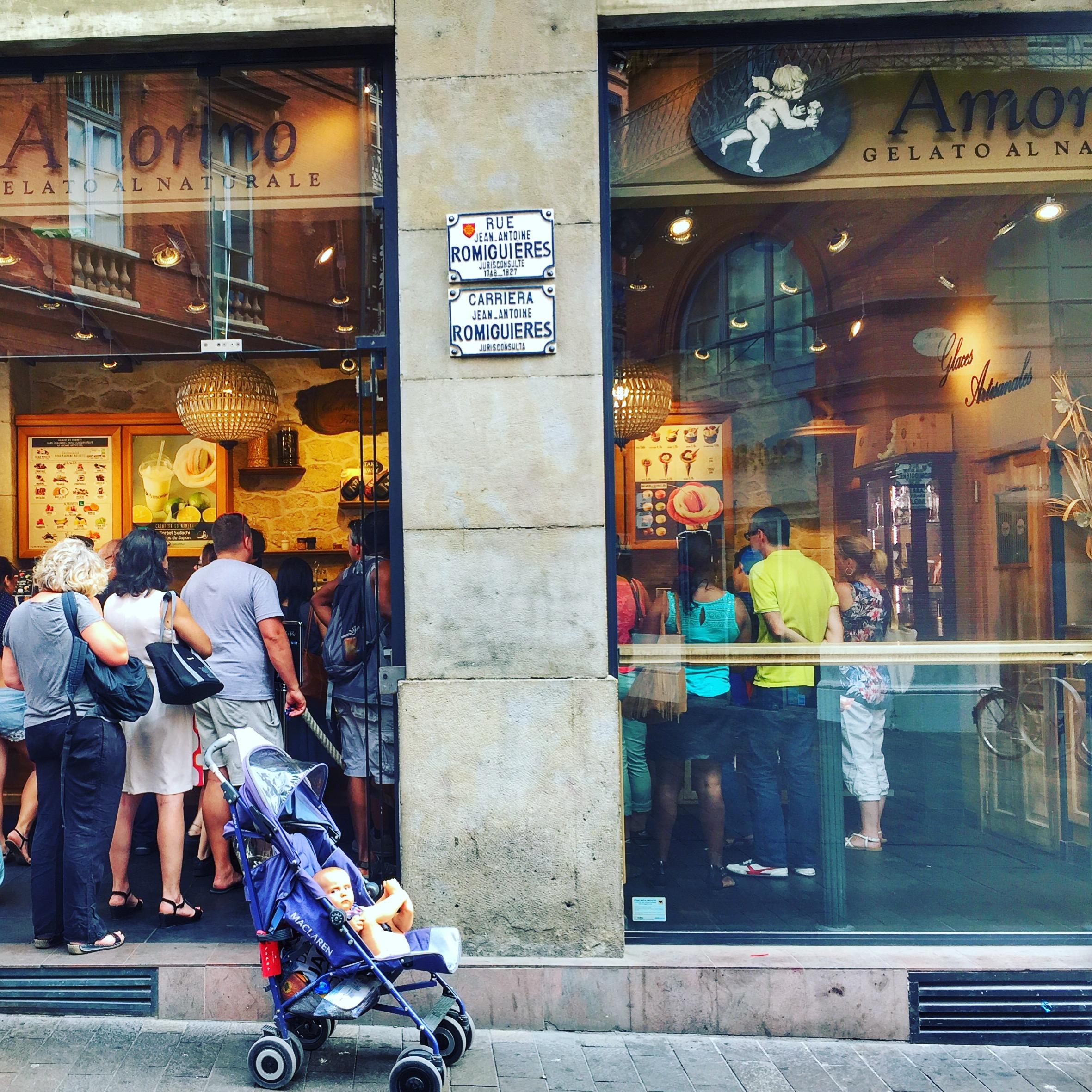 podróże z dzieckiem, podróże z niemowlakiem, niemowlak na barce, Francja z dziećmi, Tuluza z dziećmi, Francja