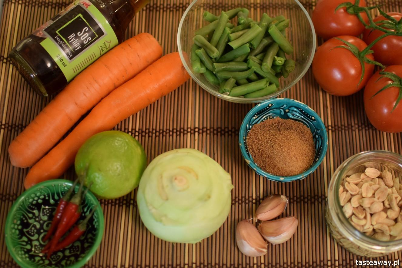 som tam, sałatka z zielonej papai, tajskie, kuchnia, tajska, jak zrobić som tam w domu,