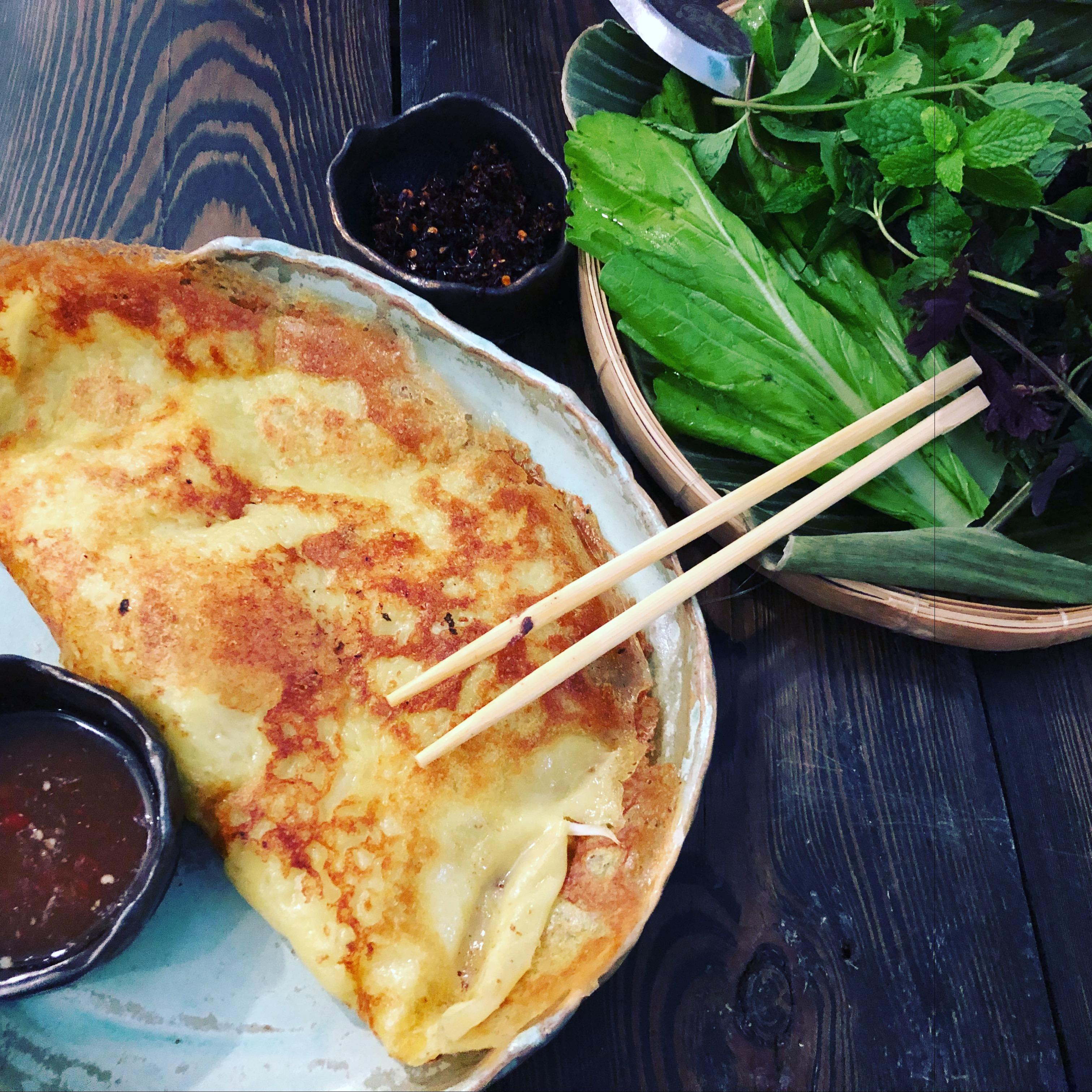 Vietnamka, gdzie na wietnamskie w Warszawie, springrollsy, nemy, kuchnia wietnamska, wietnamskie naleśniki, banh xeo