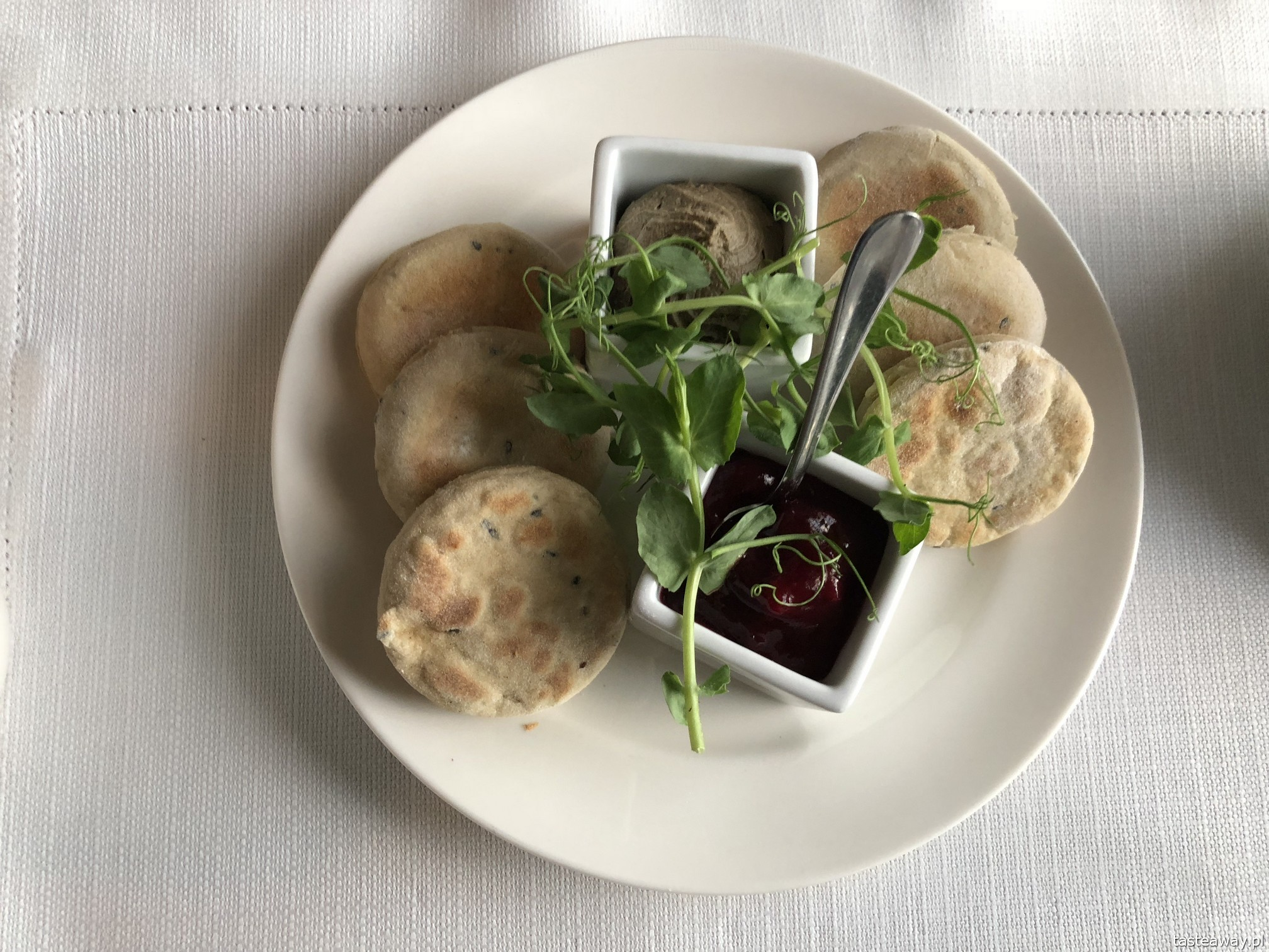 Rzeszów, Podkarpackie, co zobaczyć, co zjeść, proziaki, co jeść w Podkarpackim, Restauracja Wesele, Hotel Bristol