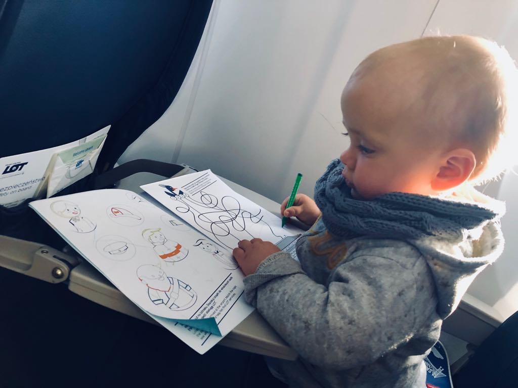 podróżowanie z dzieckiem, samolotem z dzieckiem
