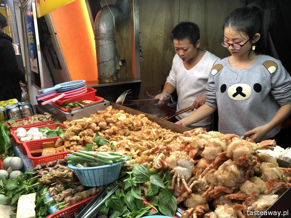 Tajwan, co zobaczyć na Tajwanie, atrakcje Tajwanu, Keelung, night market, nocny targ,, podróż na Tajwan, pierożki, chińskie pierożki, Hualien
