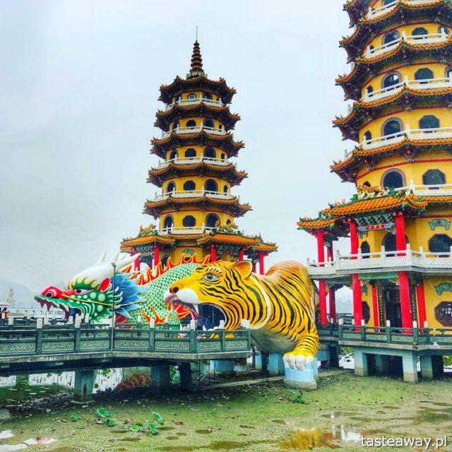 Tajwan, co zobaczyć na Tajwanie, co zobaczyć w Kaohsiung, Dragon and Tiger Pagodas, Lotus Pond