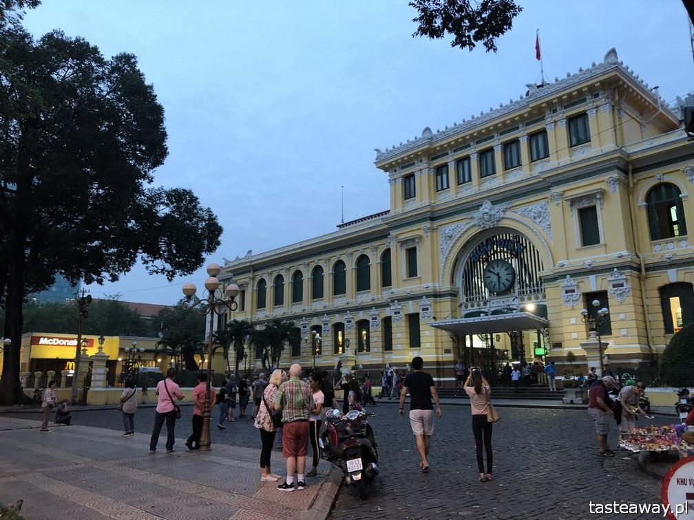 Wietnam, Ho Chi Minh, Ho Chi Minh co zobaczyć, atrakcje Ho Chi Minh, Ho Chi Minh w 2 dni, Sajgon, co zobaczyć w Sajgonie, podróże z dzieckiem, Poczta w Ho Chi Minh, Post Office