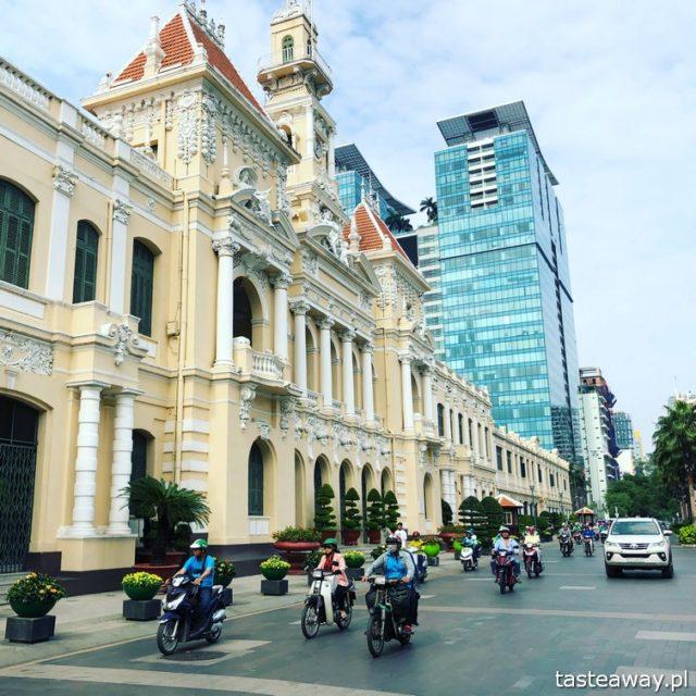Wietnam, Ho Chi Minh, Ho Chi Minh co zobaczyć, atrakcje Ho Chi Minh, Ho Chi Minh w 2 dni, Sajgon, co zobaczyć w Sajgonie, podróże z dzieckiem, Notre Dame Cathedral, Ratusz, Ho CHi Min