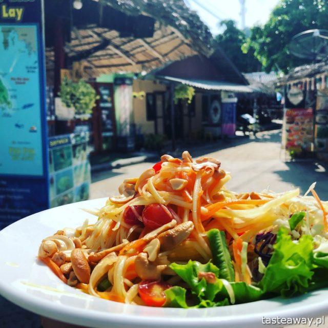Tajlandia, Koh Phi Phi, Phi Phi Island Village Beach Resort, gdzie spać na Koh Phi Phi, najlepsze hotele na Koh Phi Phi, Koh Phi Phi z dziećmi, papaja salad