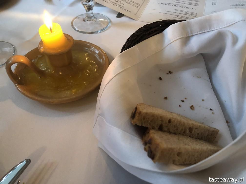 Kanapa, kuchnia ukraińska, kuchnia ukraińska w Warszawie, Mokotów, kolacja ze znajomymi, świeczka z masła,