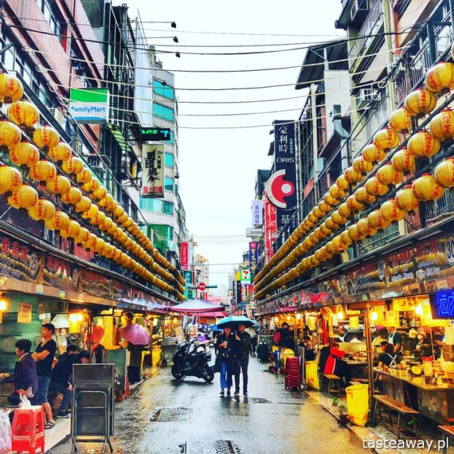 Tajwan, co zobaczyć na Tajwanie, Keelung, street food, nocny targ, Miaokou Night Market