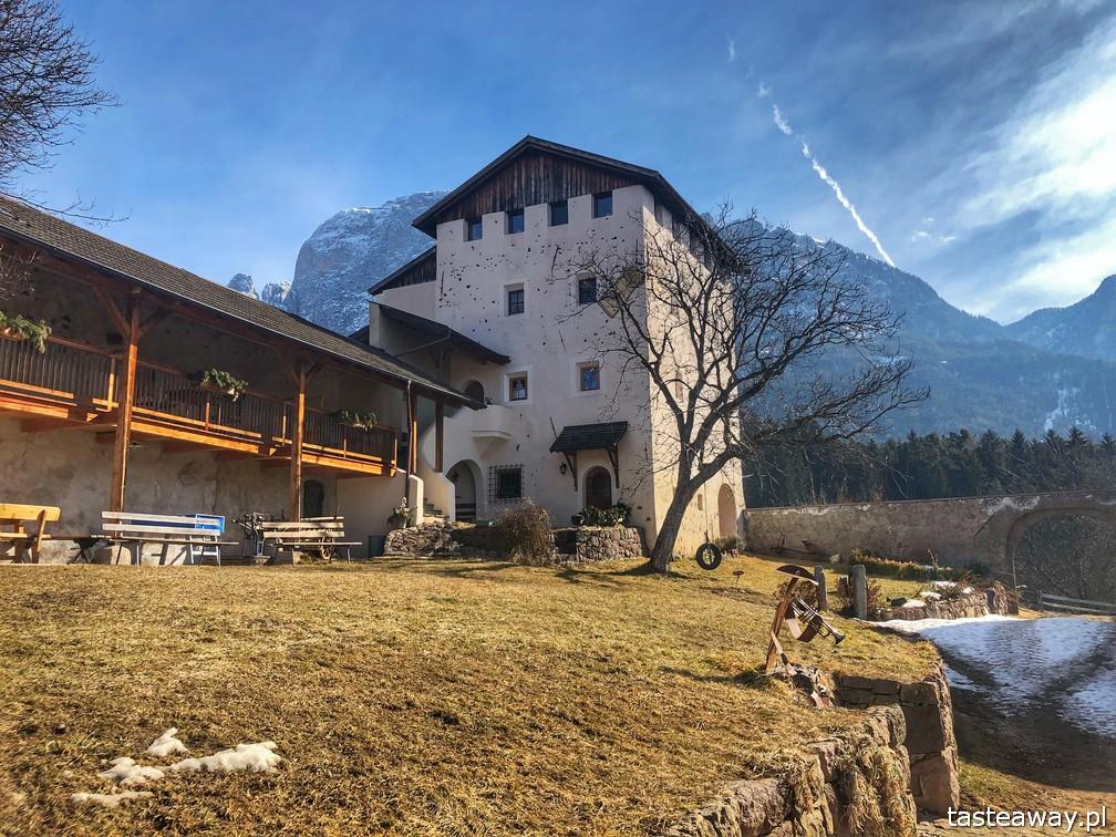 magiczne miejsca, magiczne miejsca we Włoszech, Południowy Tyrol, farmy Poludniowego Tyrolu, Fie Allo Sciliar, Gallo Rosso, Roter Hahn, Edel Ansitz Zimmerlehen