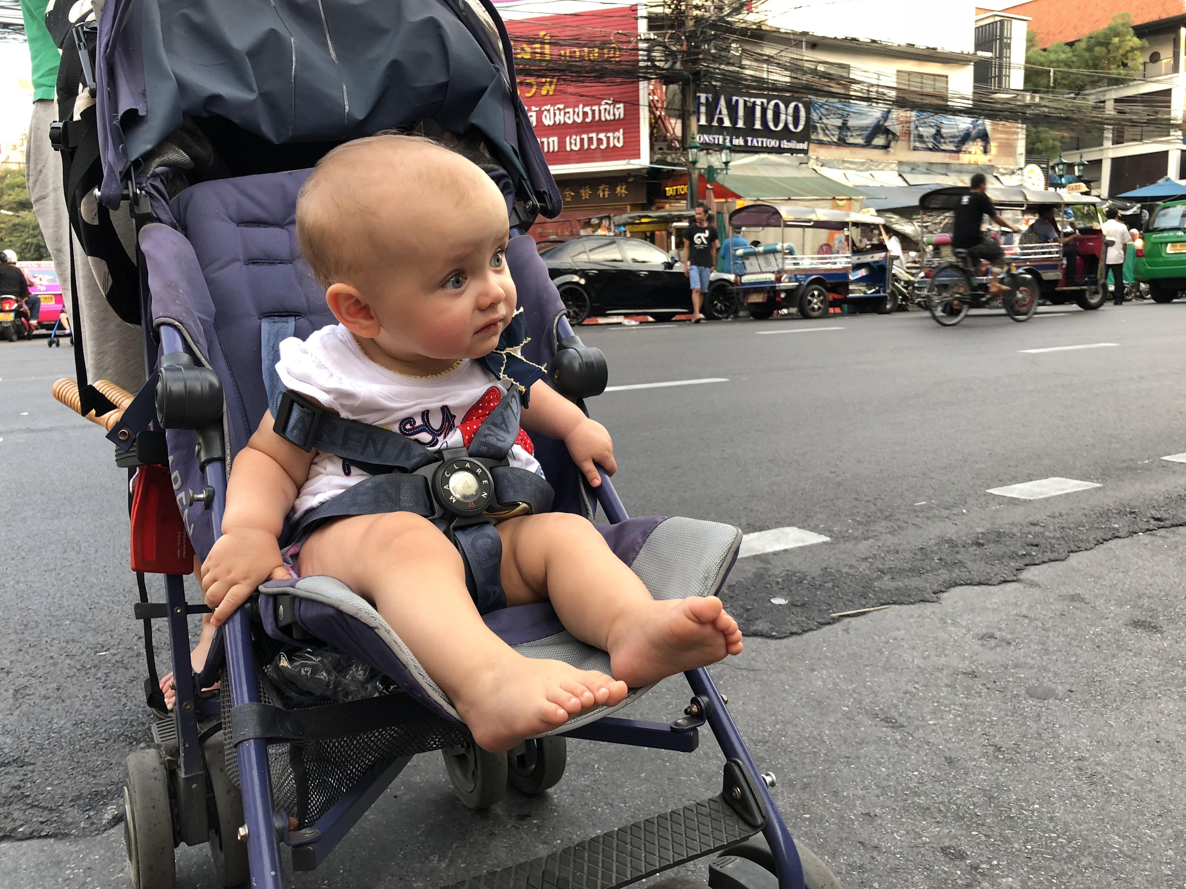 wózek, podróżowanie z dzieckiem, wózek na podróże