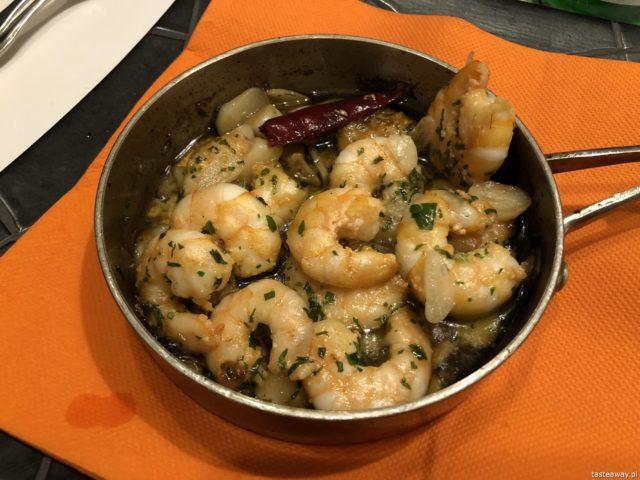 Hiszpania, Andaluzja, co jeść w Hiszpanii, co jeść w Andaluzji, hiszpańśkie tapas, owoce morza, krewetki, gambas, gambas al alijjo