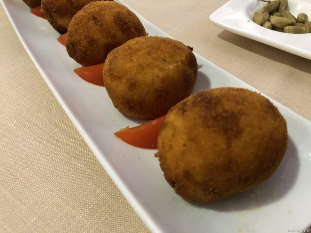 Hiszpania, Andaluzja, co jeść w Hiszpanii, co jeść w Andaluzji, hiszpańśkie tapas, ziemniaki, croquetas