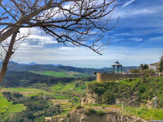 Andaluzja, Ronda, Hiszpania, co zobaczyć w Andaluzji, najpiękniejsze miejsca w Andaluzji, Carrera Espinel, co zobaczyć w Rondzie, casas colgadas, Mirador de Ronda