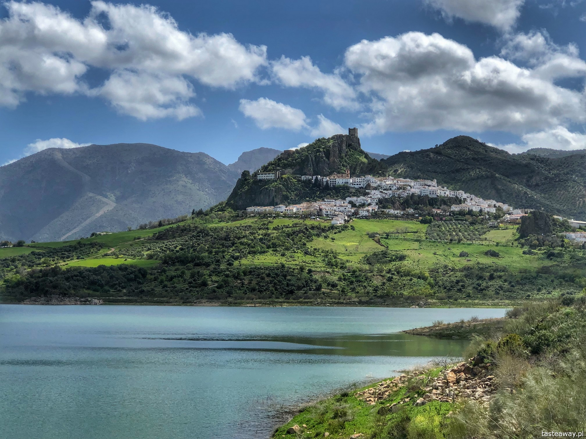 Andaluzja, najpiękniejsze miasteczka Andaluzji, pueblos blancos, co zobaczyć w Andaluzji, ruta de los pueblos blancos, Zahara de la Sierra