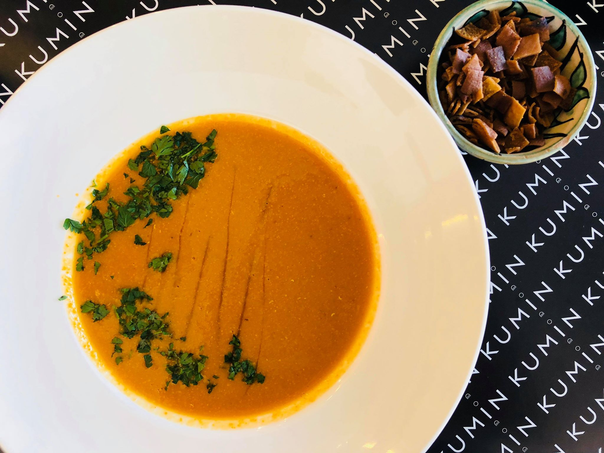 KUMIN, gdzie jeść na Mokotowie, kuchnia Bliskiego Wschodu,  kuchnia arabska, lunch, gdzie na lunch, krem z soczewicy