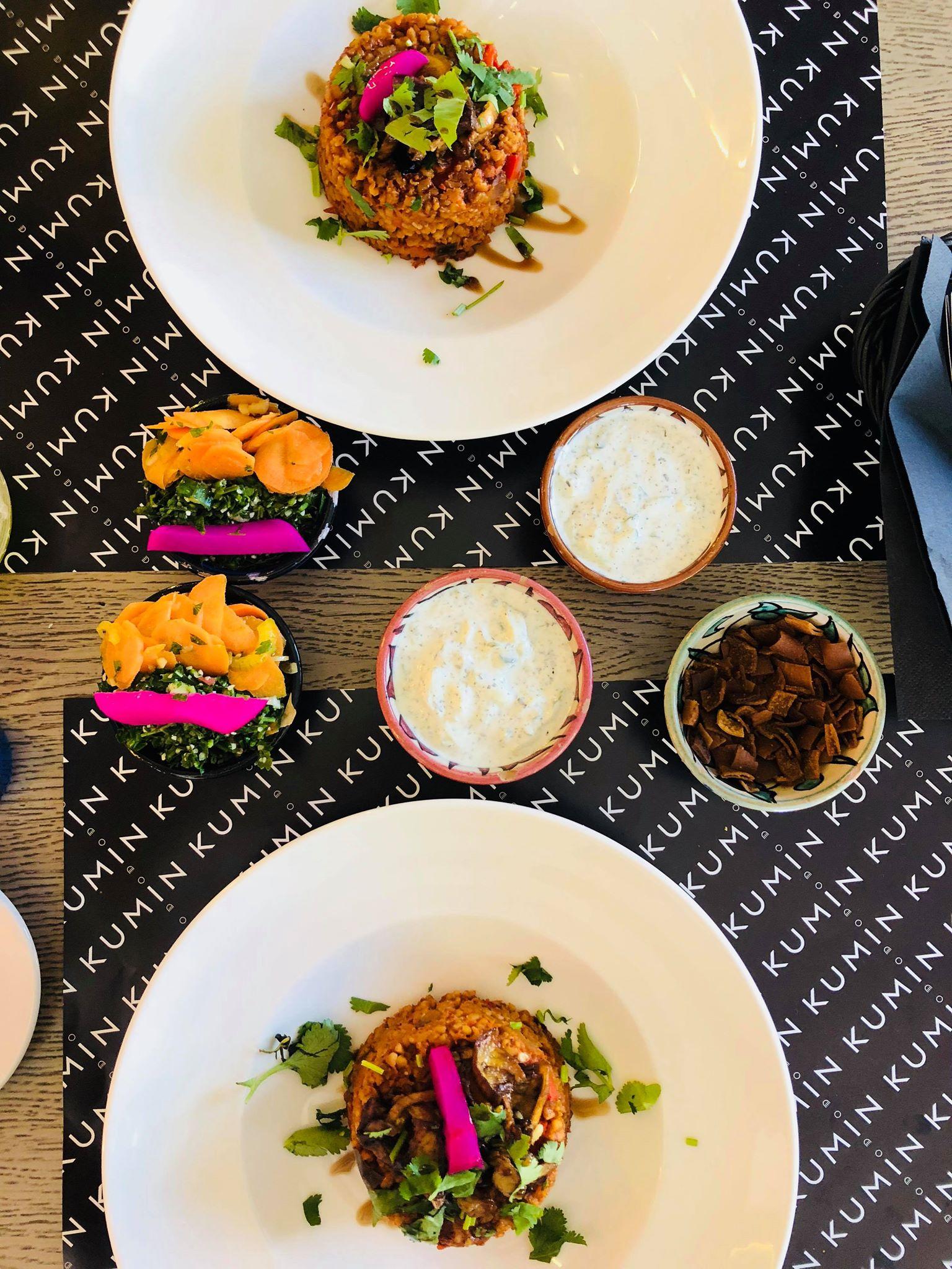 KUMIN, gdzie jeść na Mokotowie, kuchnia Bliskiego Wschodu, kuchnia arabska, lunch, gdzie na lunch, pilav z kaszy burghul, lunch,