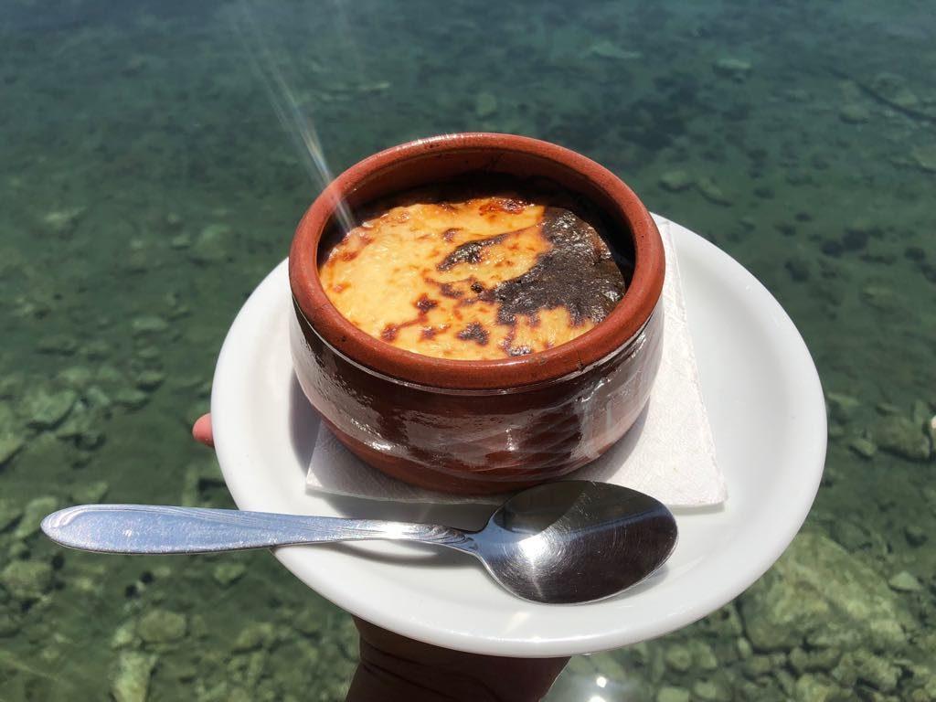 co jeść w Grecji, kuchnia grecka, czego spróbować w Grecji, feta, mousaka