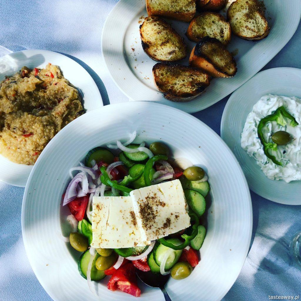 co jeść w Grecji, kuchnia grecka, czego spróbować w Grecji, feta, melitzanosalata, pasta z bakłażana