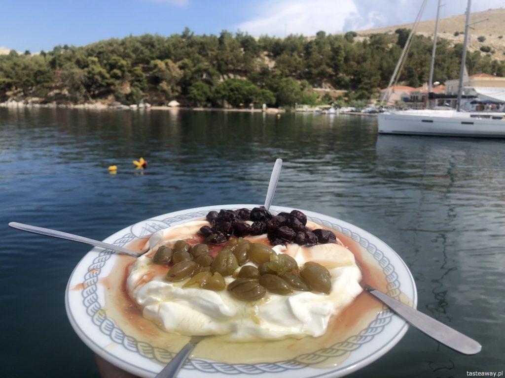co jeść w Grecji, kuchnia grecka, czego spróbować w Grecji, feta, podróże z dzieckiem, jogurt grecki