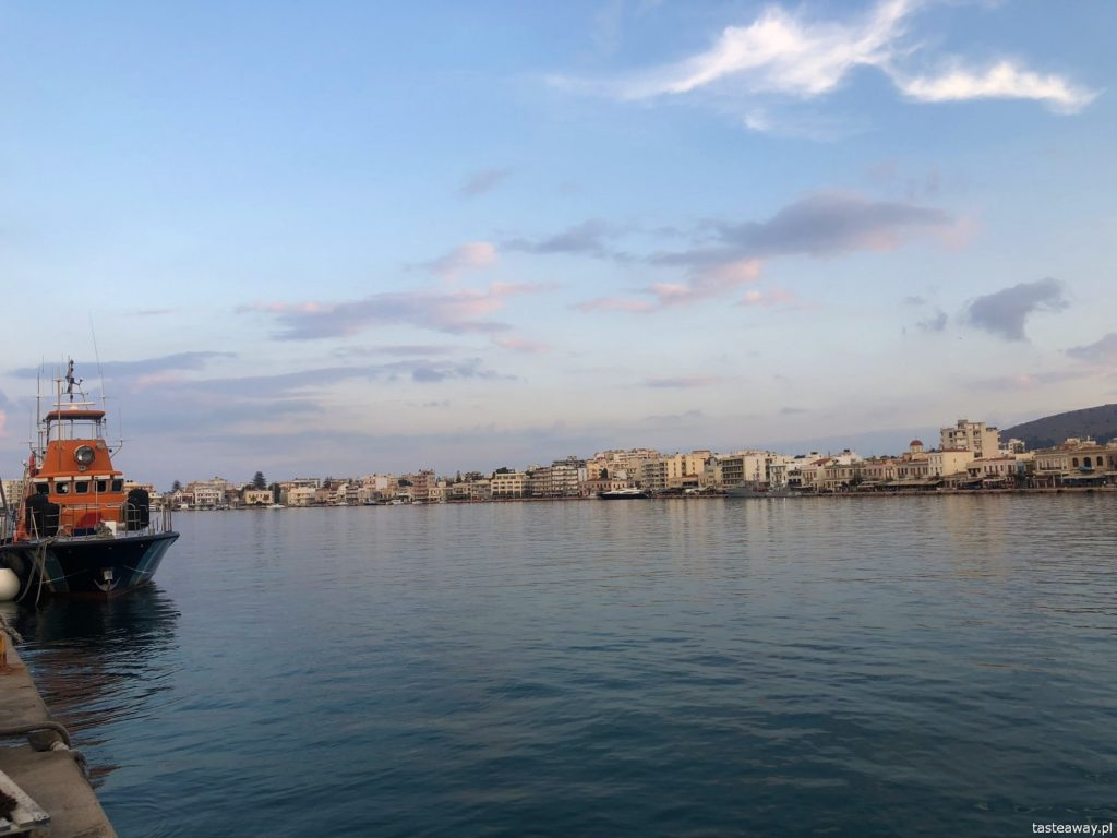 Chios, co zobaczyć na Chios, greckie wyspy, którą grecką wyspę wybrać, Grecja, miasto Chios, port