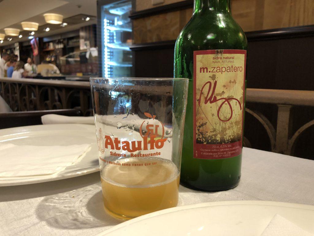 sidra, Asturias, co pić w Asturias, co jeść w Asturias, jak pić sidrę