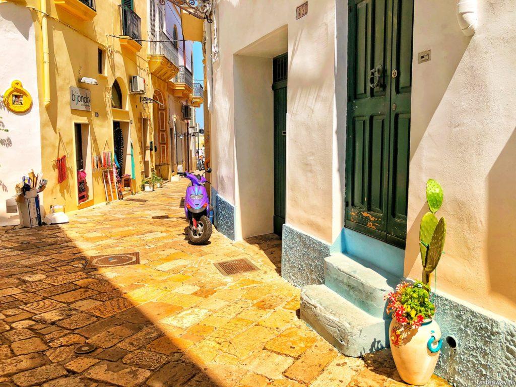 gdzie pojechać jesienią, najlepsze kierunki na jesień, podróże jesienią, podróże z dzieckiem, Włochy jesienią, Apulia, Puglia, Gallipoli
