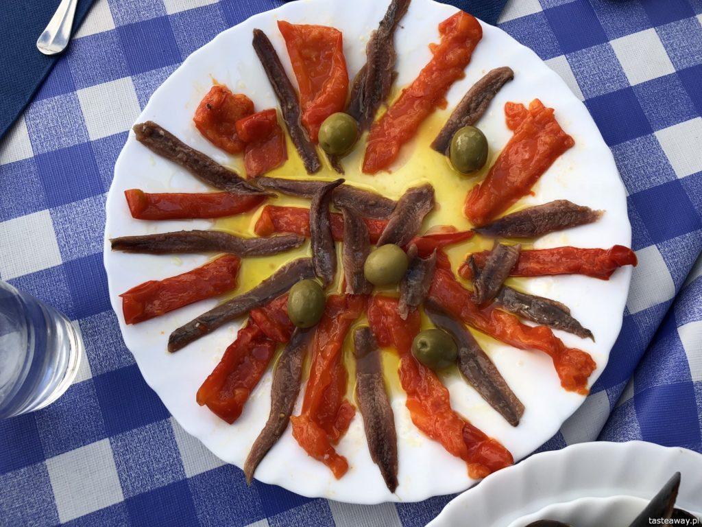 co jeść na północy Hiszpanii, co jeść w Asturias, co jeść w Galicji, mule, mejillones al vapor, kuchnia hiszpańska, tapas, owoce morza, anchoas, anchois