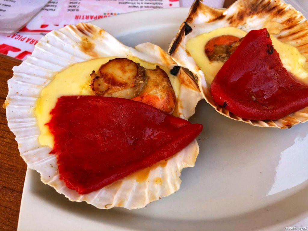 co jeść na północy Hiszpanii, co jeść w Asturias, co jeść w Galicji, mule, mejillones al vapor, kuchnia hiszpańska, tapas, owoce morza, vieiras