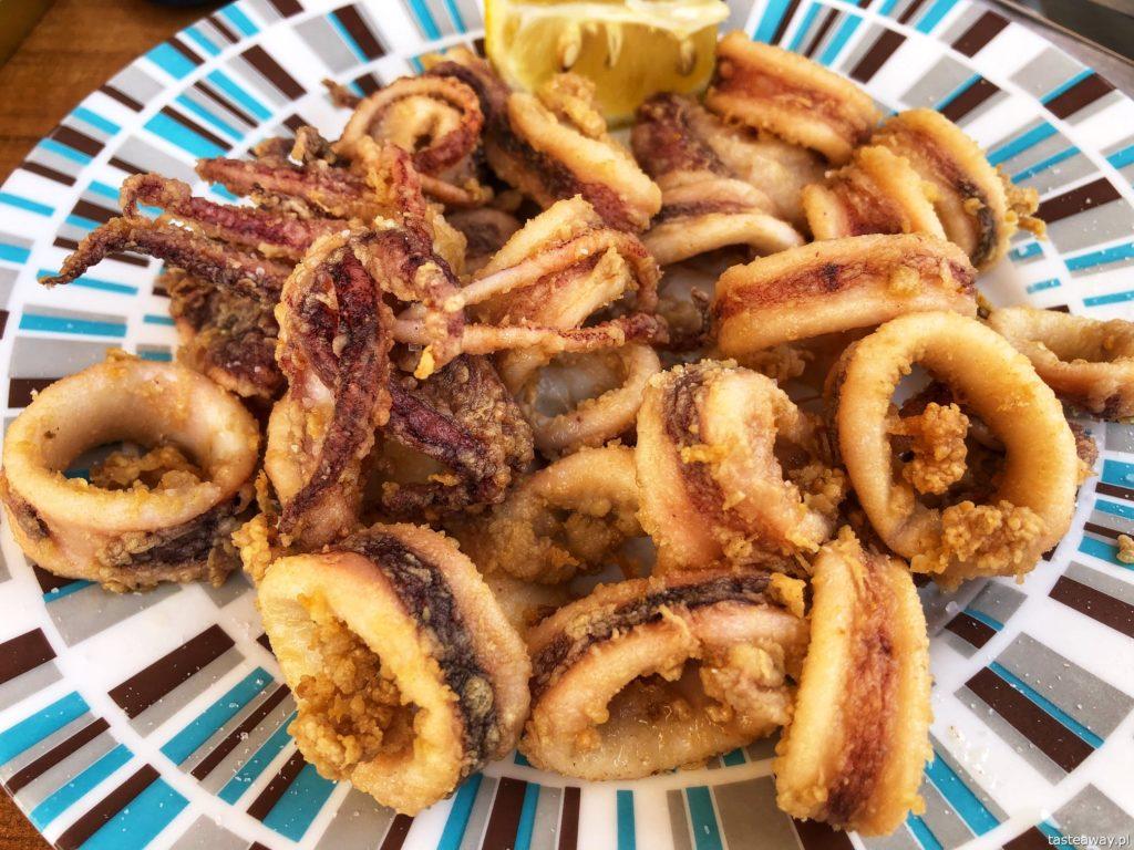 co jeść na północy Hiszpanii, co jeść w Asturias, co jeść w Galicji, mule, mejillones al vapor, kuchnia hiszpańska, tapas, owoce morza, calamares, kalmary